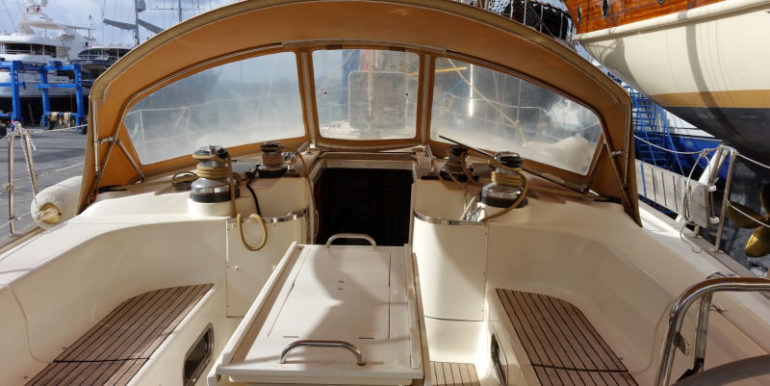 BV50 cockpit