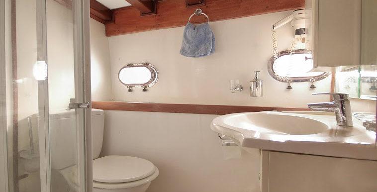 Gulet Bathroom
