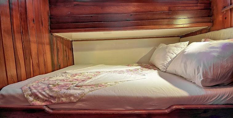 Gulet side cabin